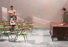 Den fantastiska skolflicka vill att hennes lärare kuk