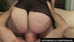 A gigantikus testű Angelina baszása