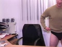 Amatör sex på kontoret