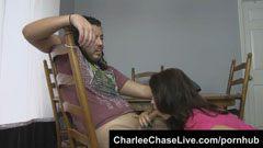 Charley Chase, bystiga kvinna
