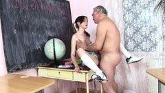 Den skolflicka och fettet läraren