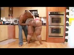 Han knullar väl fettet flickan