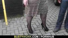 Fettet hora behöver svarta penis