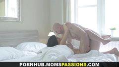 Passionerad morgon sex