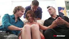 Britney Amber och tre män