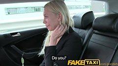 Den blonda brud och taxichauffören