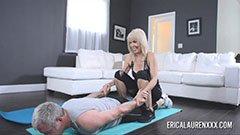 Erica Lauren och gråhårige mannen