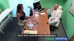Läkaren och den nya kvinnliga assistent