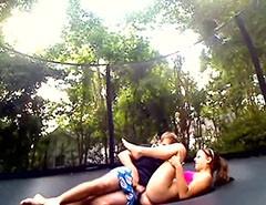 Med Jessica på trambulin