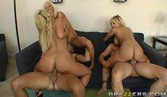 De tre blonda kattungarna och de två stora peniserna