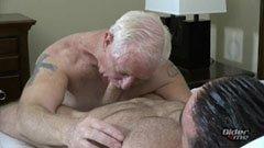 Farfar och den muskulösa killen