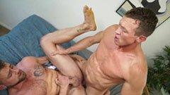 De muskulösa killarna gör hemlagad porr
