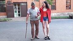 Den gamle mannen och den unga ungerska tiken